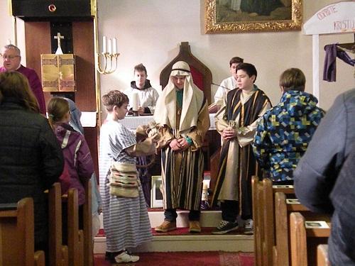 4. Postna nedelja - sodelovanje veroučencev