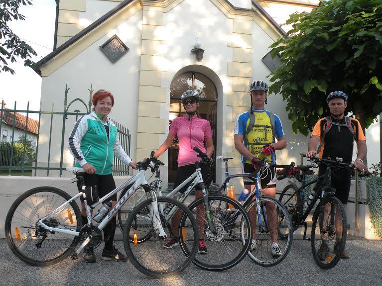 Romarji - romanje s kolesi h Gradu