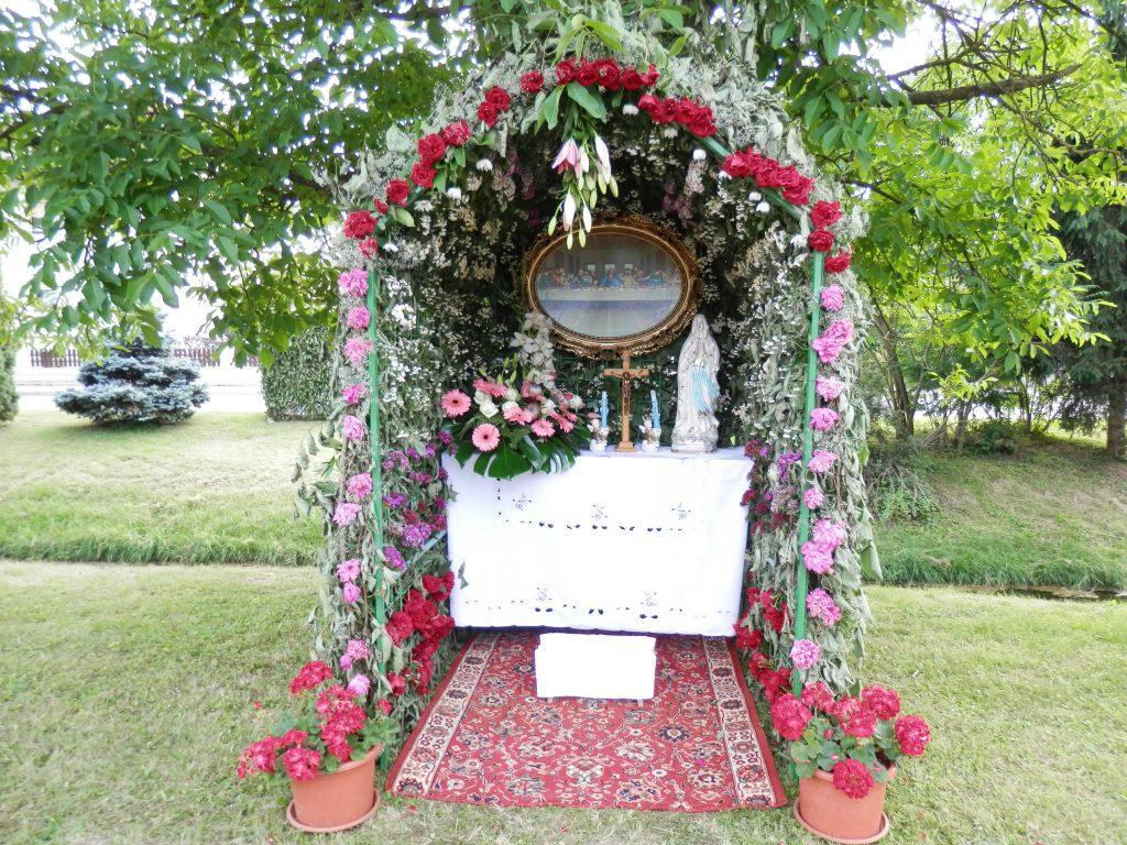 Telovski oltarji