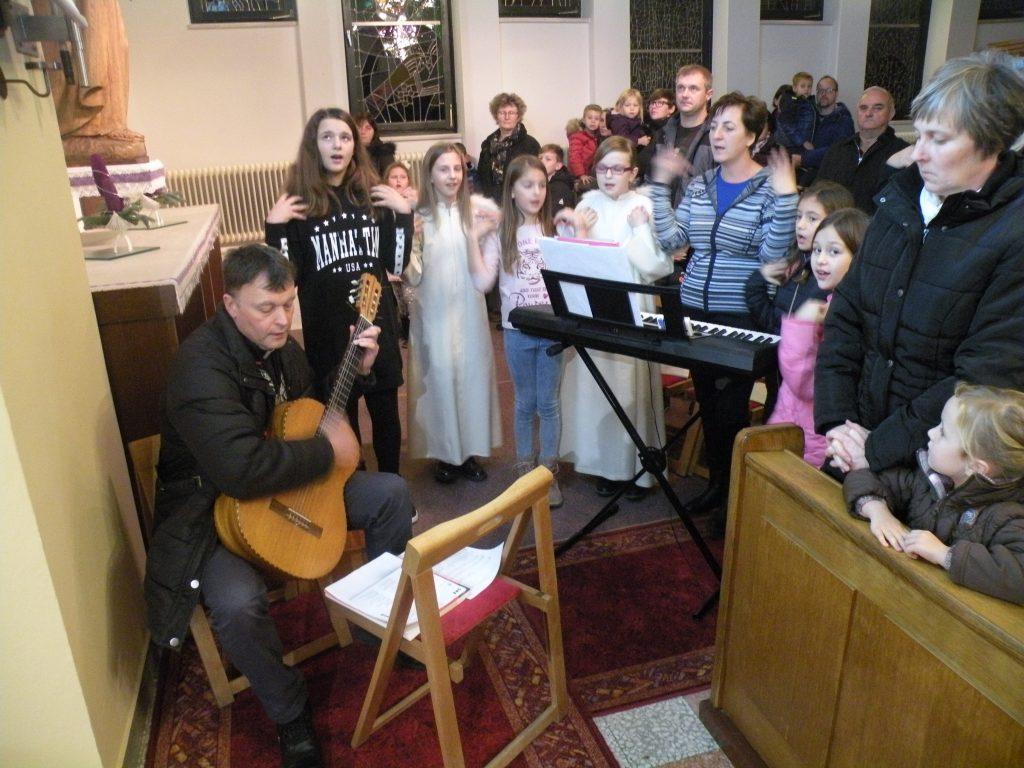 Miklavževanje - otroški pevski zbor