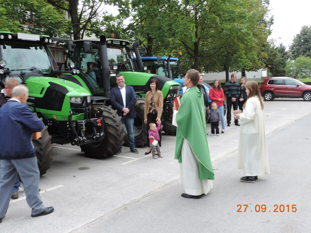 Blagoslov traktorjev