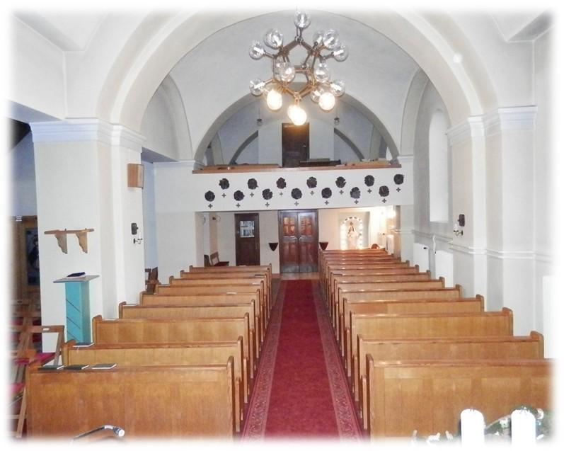 Notranjost bakovske cerkve danes