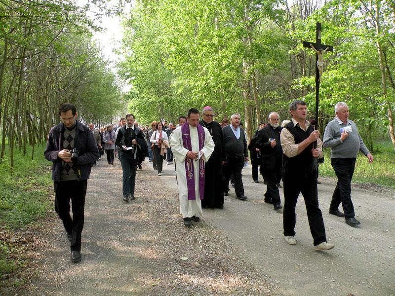 Križev pot na Hotizi
