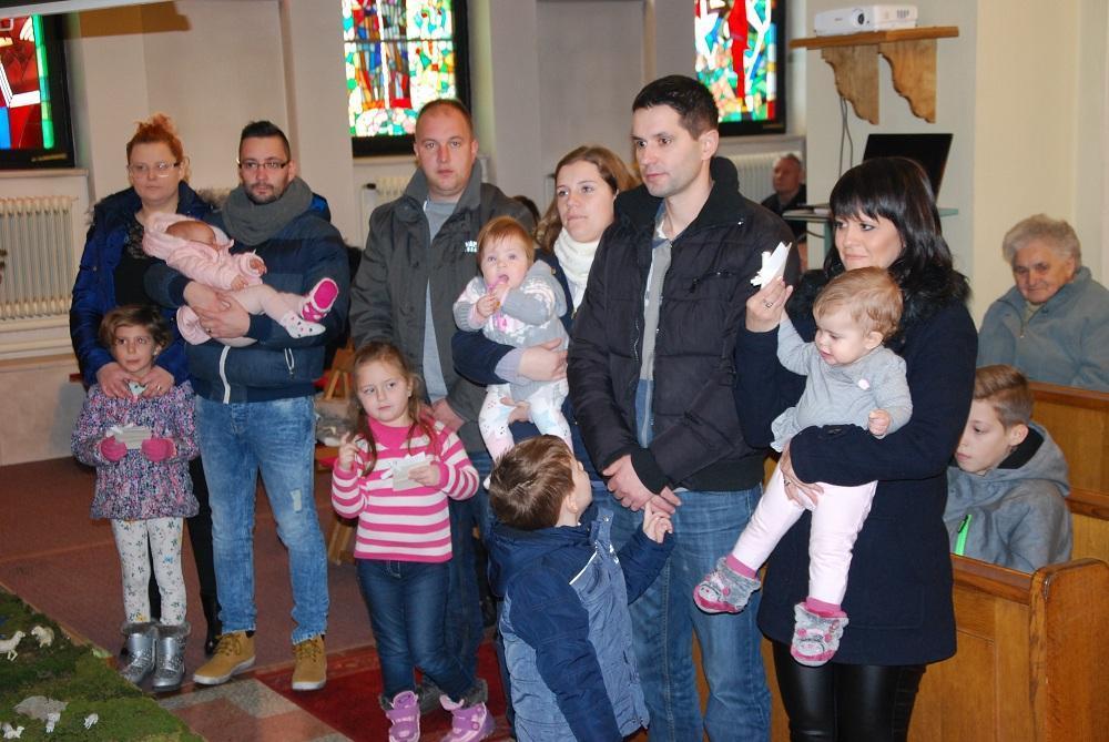 Srečanje staršev in otrok krščenih v minulem letu