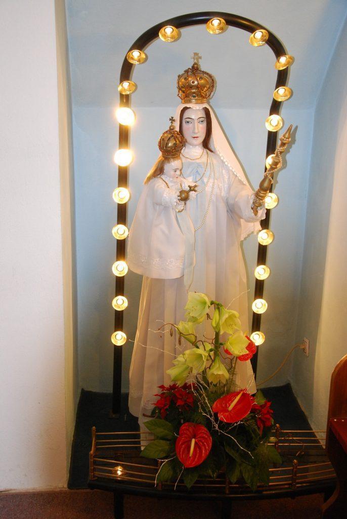 Marija v župnijski cerkvi