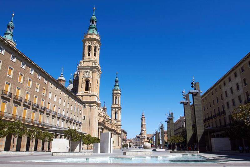 Trg v Zaragozi v Španiji