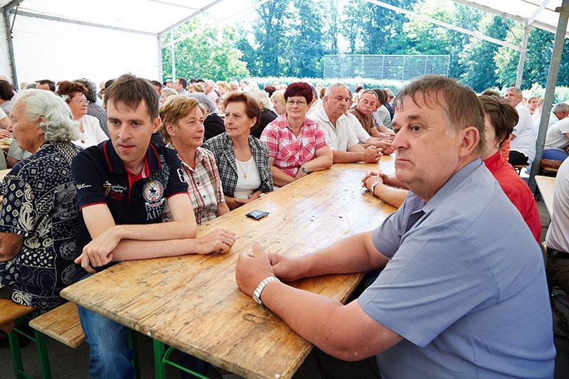 Zbralo se je veliko krajanov iz Bakovcev