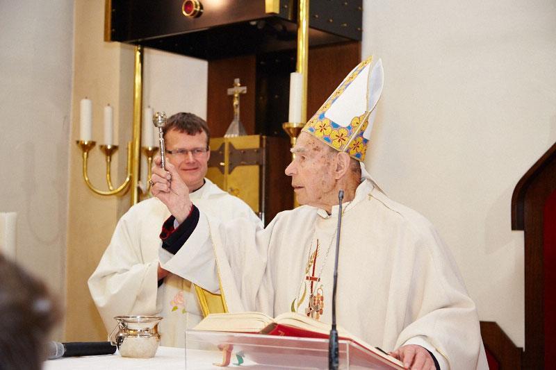 Darovanje Sv. maše rubinomašnika dr. Jožefa Smeja