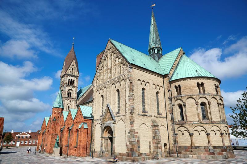 Cerkev v srednjeveški vasici Ribe na Danskem