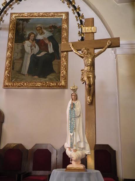 14. nedelja med letom - kip Fatimske Marije v cerkvi